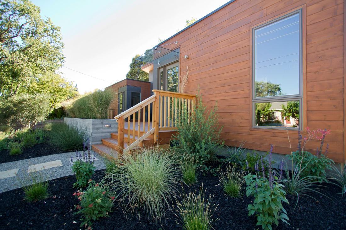 Downtown sonoma breezehouse sonoma landscape design and for Sonoma garden designs